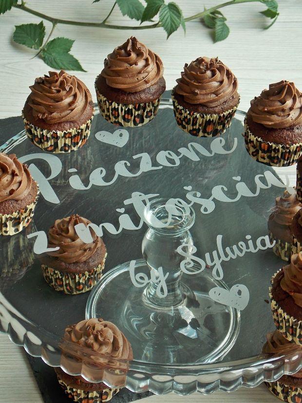 Czekoladowe muffinki z buraczkami
