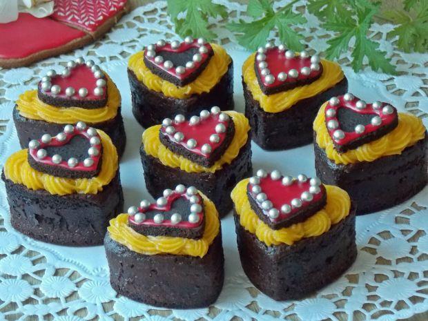 Czekoladowe muffinki z kremem pomarańczowym