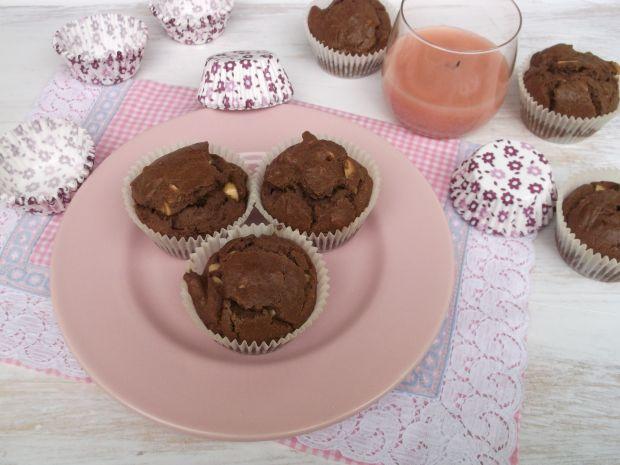 Czekoladowe muffinki z orzeszkami ziemnymi