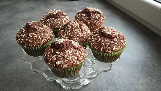 Czekoladowe muffinki z posypką