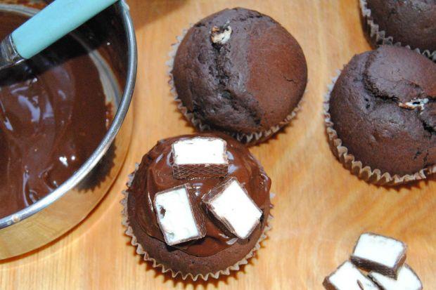 Czekoladowe muffiny z ptasim mleczkiem