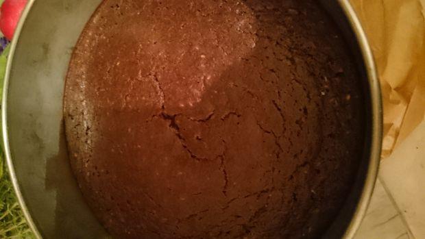 Czekoladowo-kokosowy torcik z białej fasoli