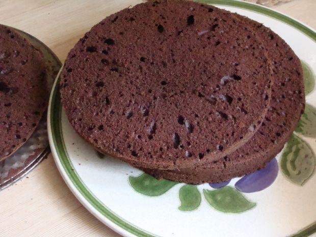 Czekoladowo-orzechowy tort