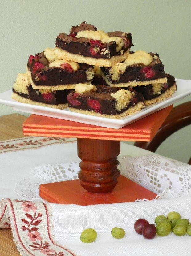 Czekoladowo-owocowe ciasto