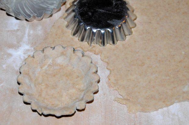 Czekoladowo-razowe tartaletki z awokado