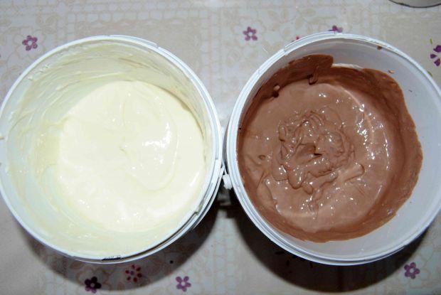 Czekoladowo- waniliowa pascha w pucharku