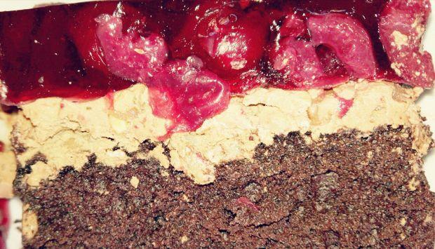 Czekoladowo-wiśniowe ciasto ze słonecznikiem