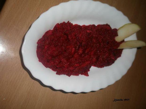 Czerwone buraczki z jabłkiem