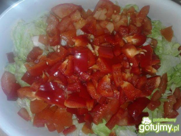 Czerwono-zielona surówka z papryką