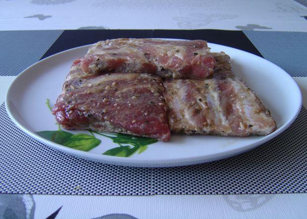 Czosnkowe glazurowane żeberka z grilla