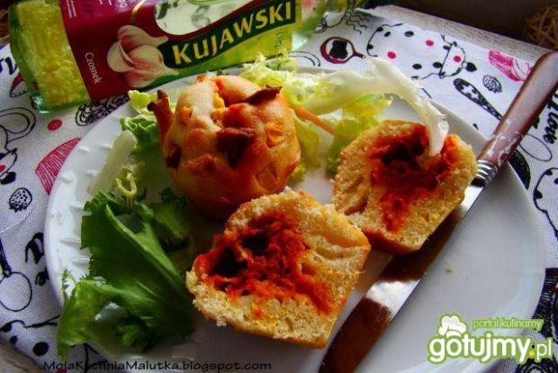 Czosnkowe muffiny z pastą warzywną