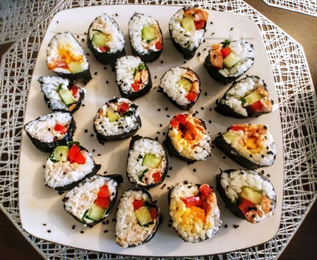 Dania z ryżem - domowe sushi