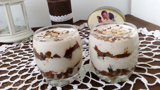Deser czekoladowo-orzechowy ze smażonymi bananami