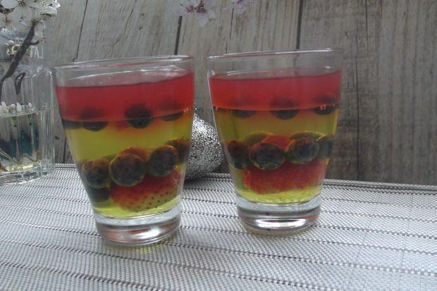 Deser galaretkowy z owocami