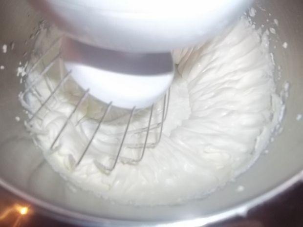 Deser śmietanowy z miętową nutą
