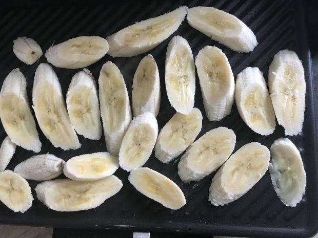 Deser z grillowanym bananem