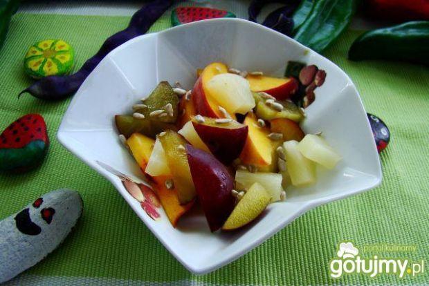 Deser z mango i ananasa