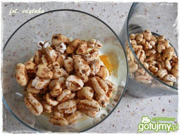 Deserek waniliowo pszenno śliwkowy