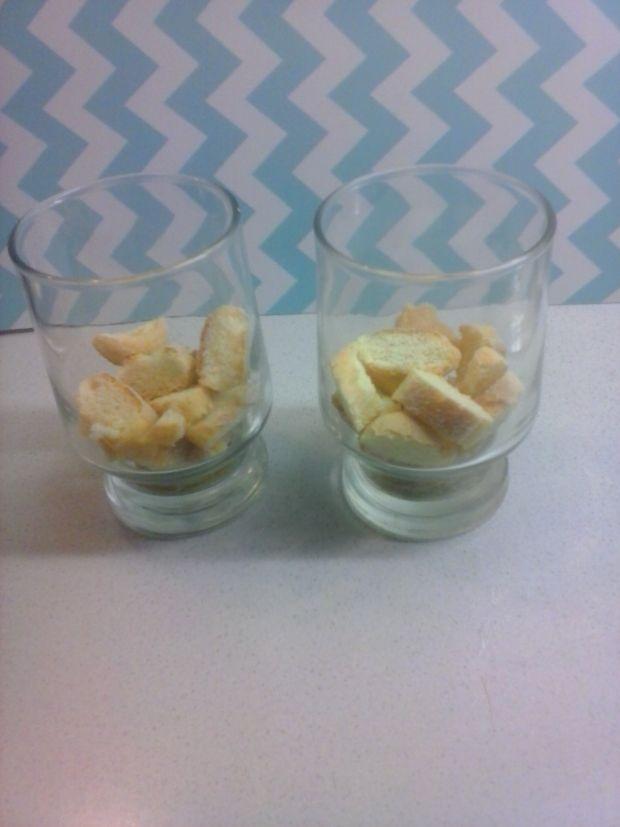 Deserek z jogurtu i ricotty z malinami