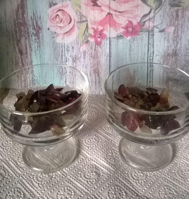 Deserek z winogronami i serkiem mascarpone