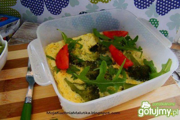 Dietetyczna jajecznica z brokułem