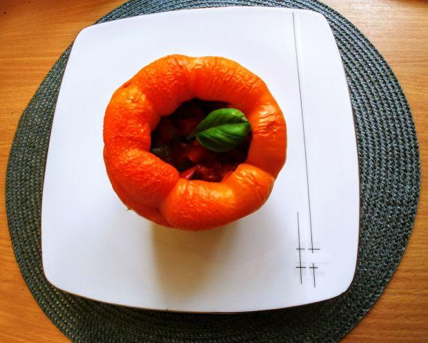 Dietetyczna papryka faszerowana warzywami