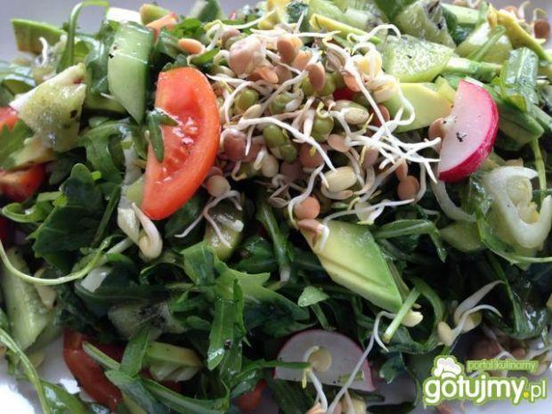 Dietetyczna sałatka z kiełków