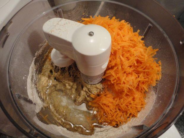 Dietetyczne ciasto marchewkowe bez cukru