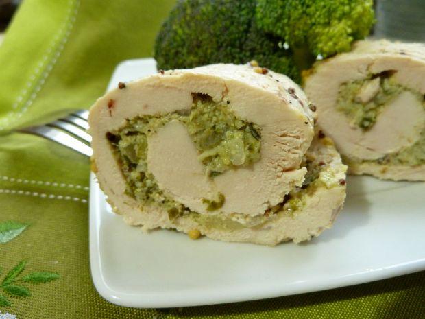 Dietetyczne roladki z kurczaka z brokułem