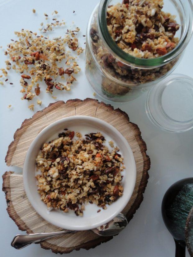 Domowa granola bakaliowa