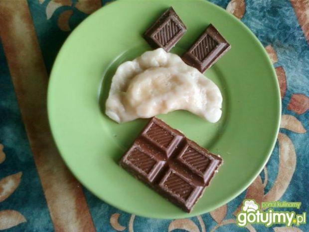 Domowe pierożki ze słodkim serem