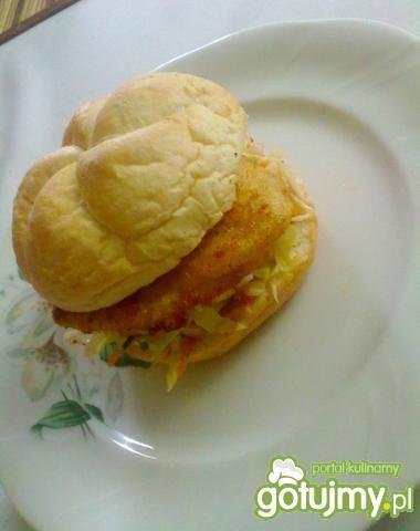Domowy burger z kurczaka