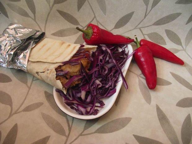 Domowy kebab z kurczaka w tortilli