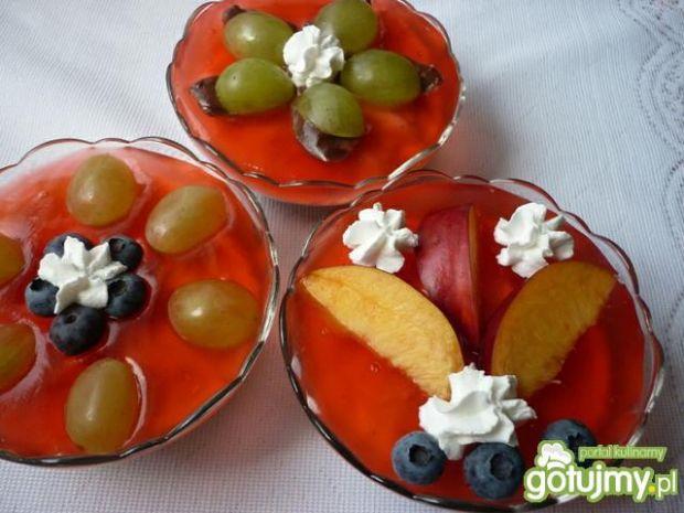 Domowy kisiel i budyń z owocami