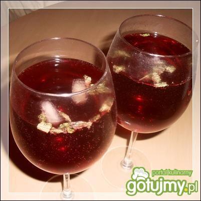 Drink: miętowa jagoda