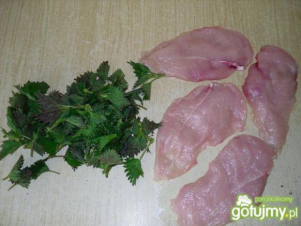Drobiowe roladki z pokrzywami
