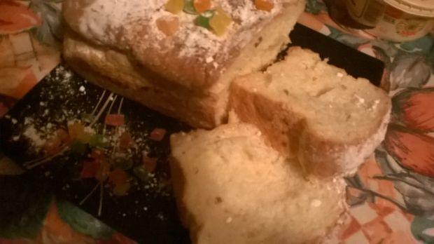 Drożdżowa babka śniadaniowa