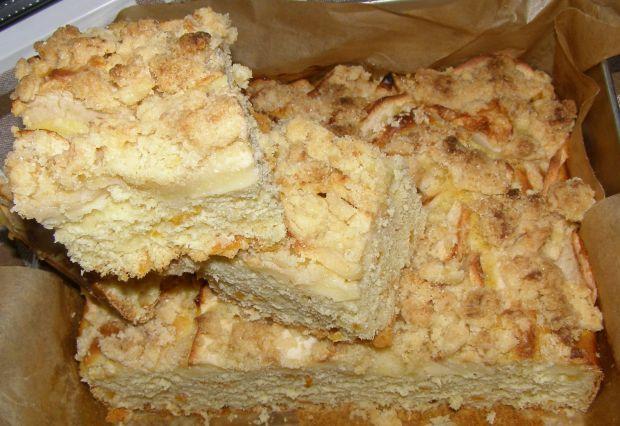 Ciasto drożdżowe z jabłkami z nutą pomarańczy