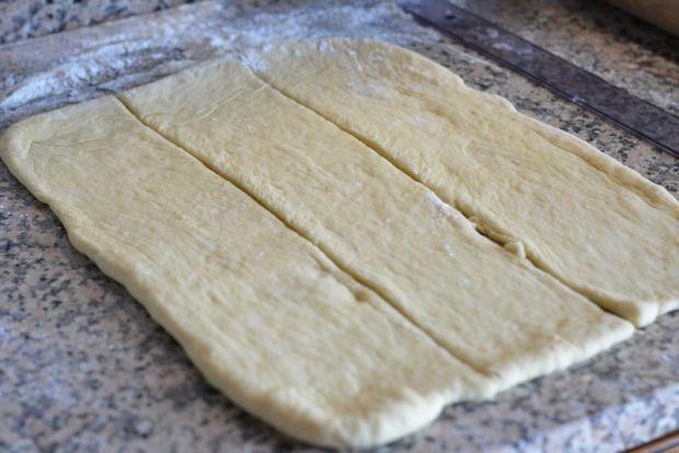 Drożdżówka ze śliwkami i serem