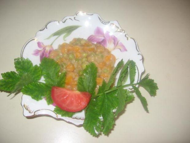 Duszona marchewka z zielonym groszkiem