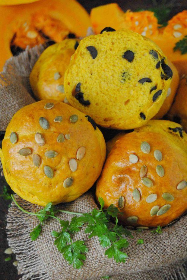 Dyniowe bułeczki z oliwkami