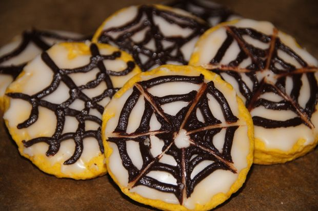 Dyniowe ciasteczka z pajęczyną