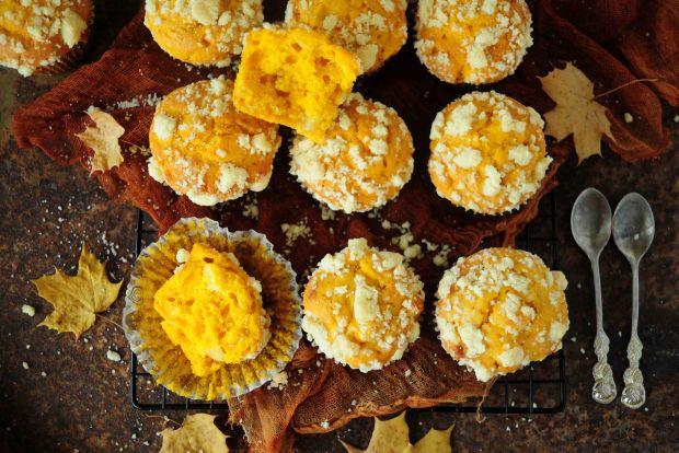 Dyniowe muffinki z jabłkami i kruszonką