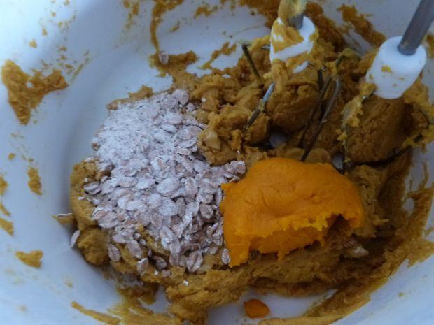 Dyniowo-korzenne ciasteczka