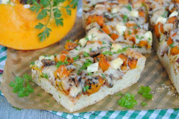 Dyniowo-kurczakowa pizza