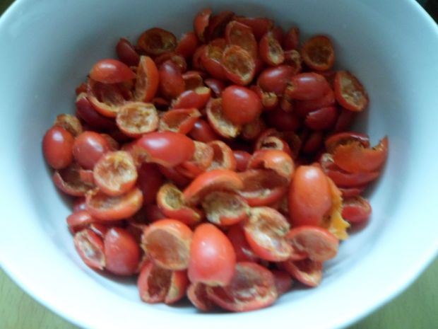 Dżem z owoców dzikiej róży