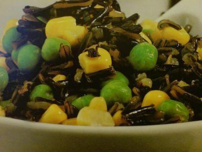Dziki ryż z warzywami.