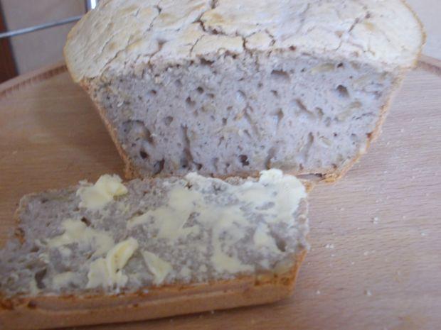 Ekspresowy chleb gryczany ze słonecznikiem