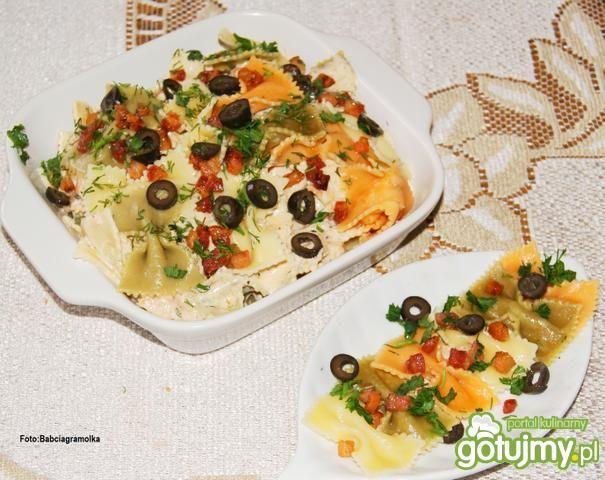 Farfalle z prostym sosem serowym :