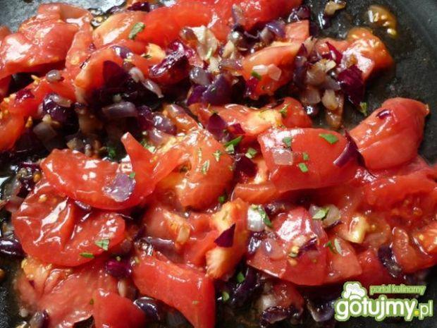 Fasolka szparagowa z pomidorami i cebulą